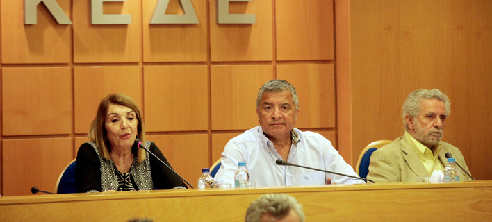 Καβγάς Τασίας και Δρίτσα με δημάρχους για το μεταναστευτικό: «Είστε ψεύτρα» -«Γίνεστε περίγελος»