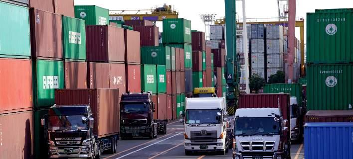 Ελλοχεύουν κίνδυνοι για το  Παγκόσμιο Εμπόριο/Φωτογραφία: AP