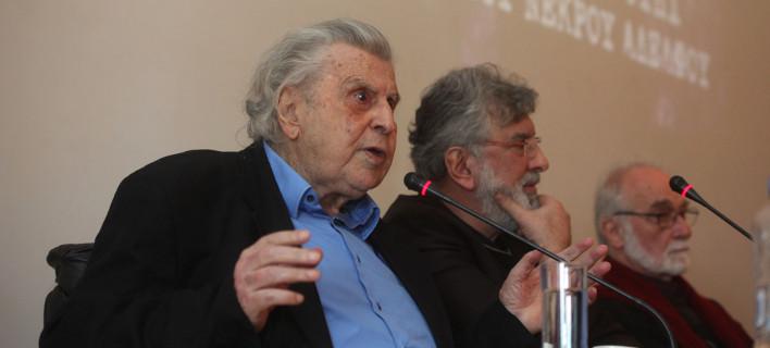 Παρέμβαση από τον Μίκη Θεοδωράκη: Φτάσαμε στην ώρα μηδέν - Ανυπαρξία πολιτικής του ΣΥΡΙΖΑ
