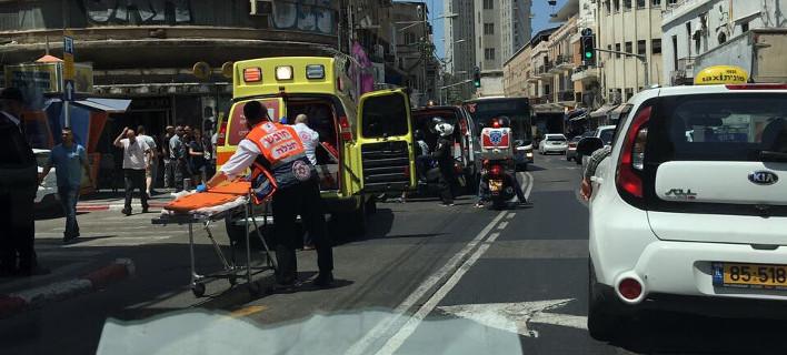 Συναγερμός στο Τελ Αβίβ από αυτοκίνητο που έπεσε επάνω σε πλήθος λίγο πριν την άφιξη του Ντόναλντ Τραμπ (ΦΩΤΟ)