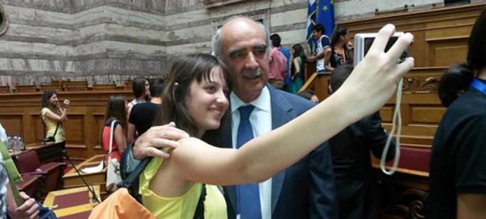 Αμερικανοί αναλυτές: Ο Μεϊμαράκης κερδίζει γιατί δείχνει πιο ανθρώπινος