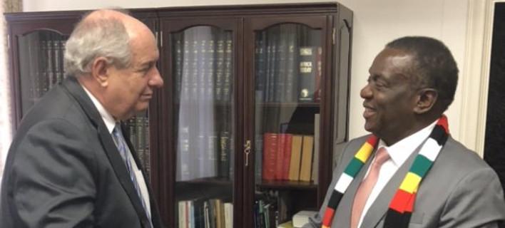 Η συνάντηση του Τέρενς Κουίκ με τον πρόεδρο της Ζιμπάμπουε