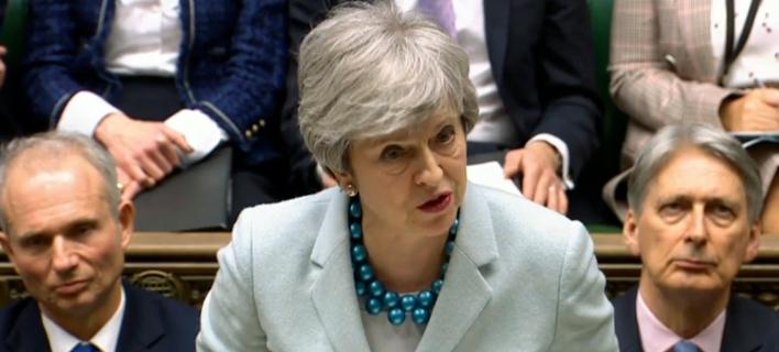 Μέι μετά την ήττα για το Brexit: Οι επιπτώσεις της απόφασης του Κοινοβουλίου είναι σοβαρές