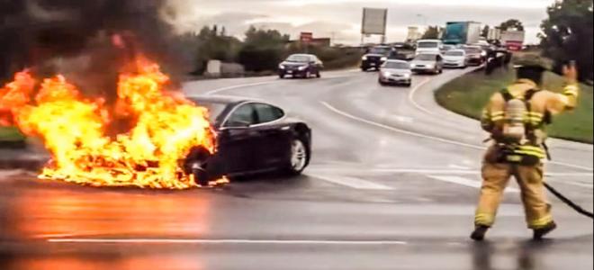 Tesla: H φωτιά των 3 δισεκατομμυρίων δολαρίων