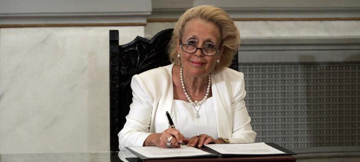 Νέα Πρωθυπουργός η Βασιλική Θάνου - Εκλογές στις 20 Σεπτεμβρίου
