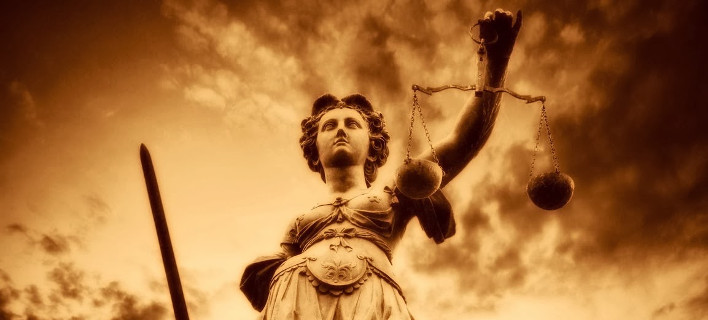 Politico: Η επόμενη ευρωπαϊκή διαμάχη με τη Δικαιοσύνη θα είναι στην Ελλάδα