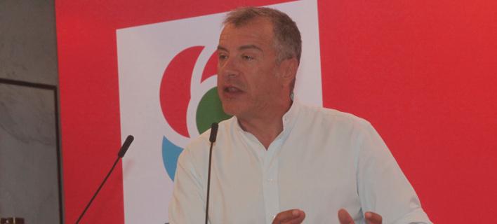 Ο Σταύρος Θεοδωράκης στο βήμα της Κεντρικής Επιτροπής του Κινήματος Αλλαγής/Φωτογραφία: Eurokinissi