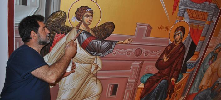 Κώστας Θεοδώρου: Ο Λαρισαίος που αγιογράφησε την πρώτη ορθόδοξη εκκλησία στον... Βόρειο Πόλο [εικόνες]
