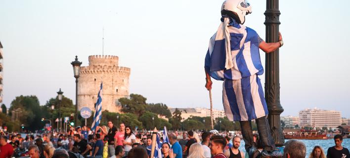 Οι αντιδράσεις στο Σκοπιανό τρόμαξαν το Μαξίμου -Τάζουν παροχές στη Β. Ελλάδα