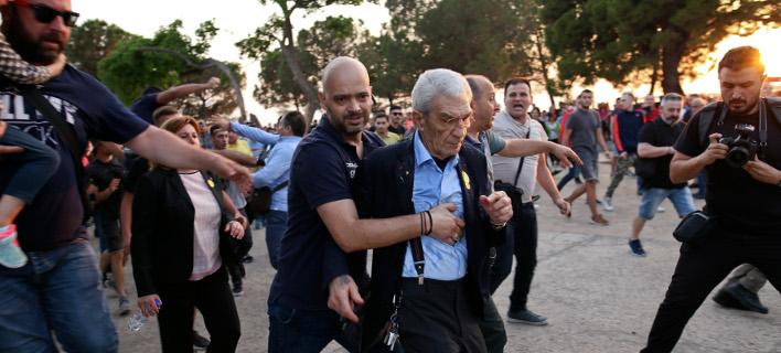 Πρόεδρος δημ. Συμβουλίου Θεσσαλονίκης: Ηθελαν να κάνουν κακό στον Μπουτάρη, τον χτυπούσαν στο κεφάλι