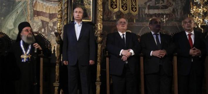 Αγνωστο παρασκήνιο: Καβγάς Πούτιν-Παυλόπουλου για το ποιος θα καθίσει στον θρόνο του Αγίου Ορους