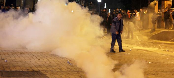 Συγκρούσεις στα Τίρανα (Φωτογραφία: AP Photo/Hektor Pustina)