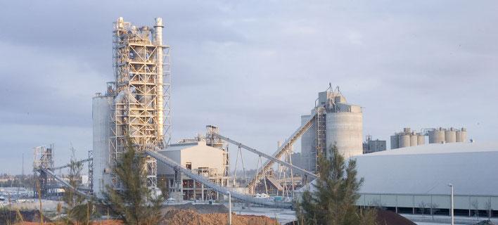 To εργοστάστιο τσιμέντου Pennsuco στη Florida/ Φωτογραφία: Τιτάν