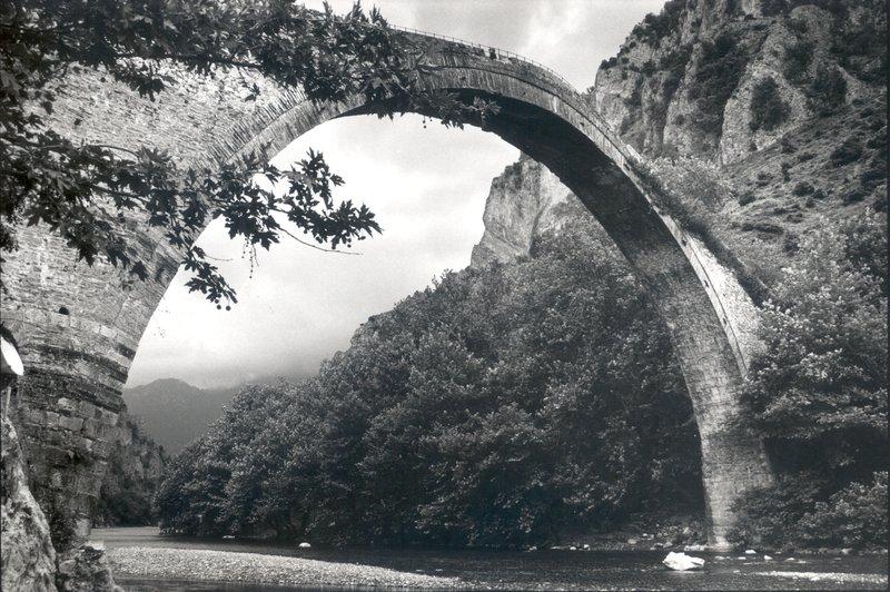 Το γεφύρι της Κόνιτσας κατασκευασμένο το 1871 δεν έχει συντηρηθεί ποτέ!