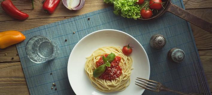 Ενα πιάτο μακαρονάδα με ντομάτα, Φωτογραφία: Unsplash