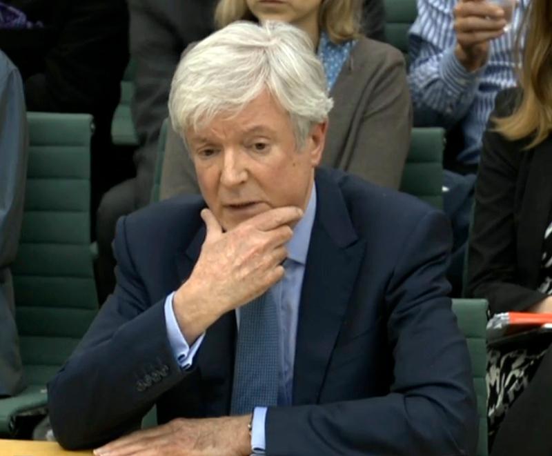 O γενικός διευθυντής του BBC Τόνι Χολ έχει δεσμευτεί ότι το δίκτυο θα κλείσει το μισθολογικό χάσμα ανδρών γυναικών/Φωτογραφία: ΑΡ