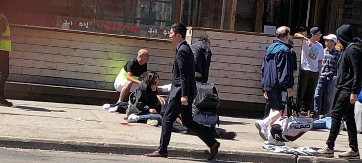 Βαν έπεσε σε πεζούς στο Τορόντο -Τουλάχιστον 10 νεκροί [εικόνες & βίντεο]