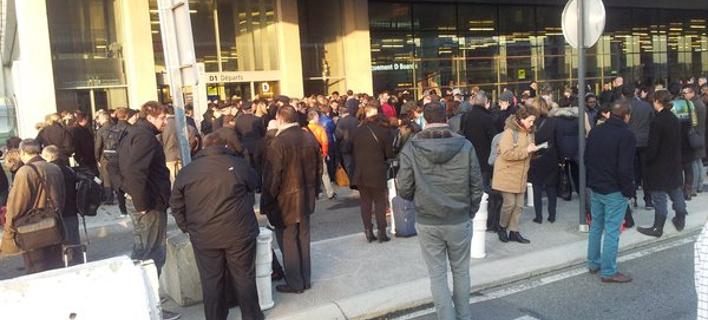 Λήξη συναγερμού στην Τουλούζη -Νωρίτερα, είχε εκκενωθεί το αεροδρόμιο [εικόνες & βίντεο]