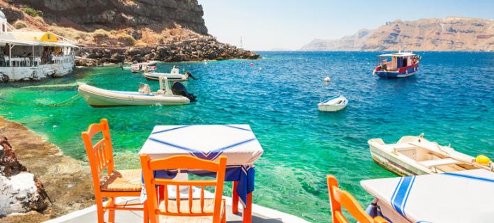 Πώς ο τουρισμός κράτησε όρθια την Ελλάδα/ Φωτογραφία: shutterstock