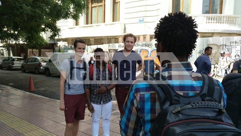 Πεδίο μάχης η Τοσίτσα με θεατές τουρίστες διαφόρων εθνικοτήτων