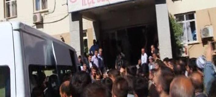 Βομβιστική επίθεση σε αστυνομικό τμήμα στην Τουρκία -Νεκροί 6 στρατιώτες
