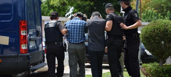 Οι «8» Τούρκοι πέταξαν όπλα & ηλεκτρονικό εξοπλισμό πριν έρθουν στην Ελλάδα
