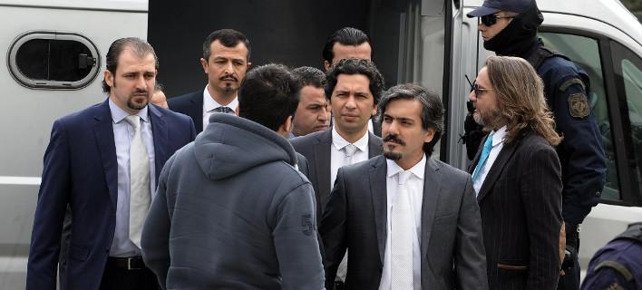Ενας μικρός «στρατός» 90 αστυνομικών στη φύλαξη του Τούρκου αξιωματικού -Τα πρωτοφανή μέτρα