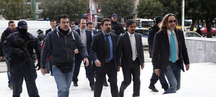Ελεύθερος και ο δεύτερος Τούρκος αξιωματικός, με αυστηρούς όρους