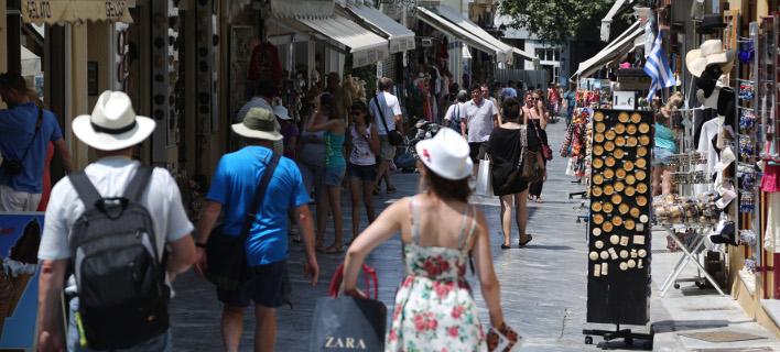 Αρνητικό ρεκόρ δεκαετίας: Υποχώρηση 9,2% στα τουριστικά έσοδα του Αυγούστου