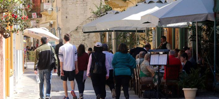 Τουρίστες στην Πλάκα/Φωτογραφία αρχείου: Eurokinissi