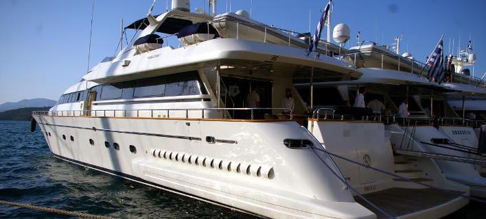 Λαβράκια και από τους ελέγχους σε τουριστικά σκάφη: Δήλωναν 200 ευρώ τη διαδρομή και χρέωναν 1.500