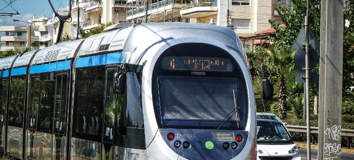 Διακοπή κυκλοφορίας του τραμ στη Ν. Σμύρνη/ Φωτογραφία: EUROKINISSI- ΓΙΩΡΓΟΣ ΚΟΝΤΑΡΙΝΗΣ