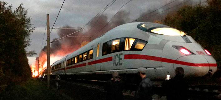 Φωτιά σε τρένο στη Γερμανία (Φωτογραφία: Ute Lange/dpa via AP)