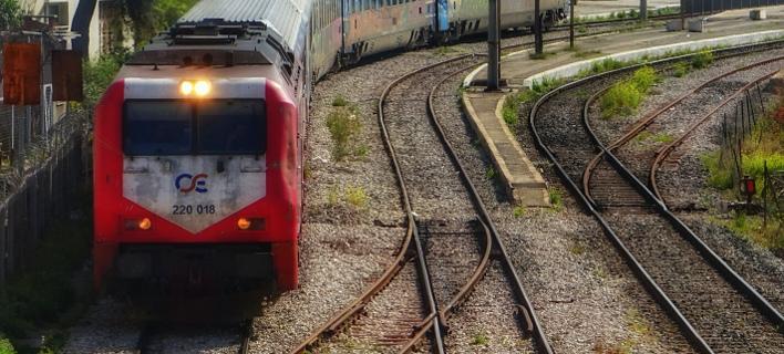 Εκτροχιασμός τρένου στη Φθιώτιδα -Με λεωφορεία η μετακίνηση των επιβατών