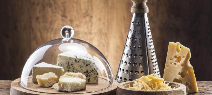 Το κόλπο για να καθαρίσεις γρήγορα τον τρίφτη του τυριού