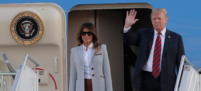 Ο πρόεδρος Ντόναλντ Τραμπ και η σύζυγός του Μελάνια/Φωτογραφία: AP