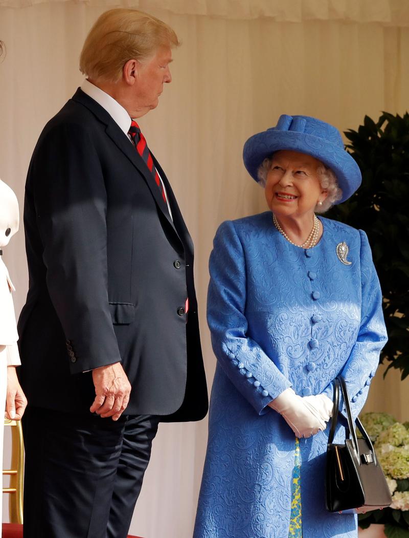 «Καλώς ήρθατε» αυτά ήταν τα πρώτα λόγια της βασίλισσας προς τον Ντόναλντ Τραμπ