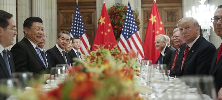 Συνάντηση στο περιθώριο της G20 μεταξύ των προέδρων ΗΠΑ και Κίνας/ Φωτογραφία: AP- Pablo Martinez Monsivais