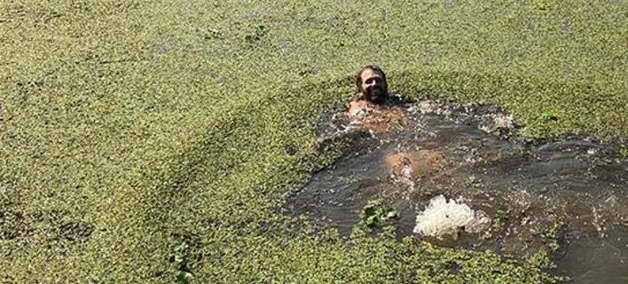 Ο γιος του Τραμπ βούτηξε σε βάλτο με αλιγάτορες (Φωτογραφία: Instagram)