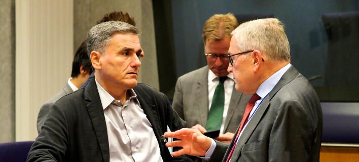 Ο υπουργός Οικονομικών Ευκλείδης Τσακαλώτος σε παλαιότερη συνάντησή του με τον επικεφαλής toy ESM, Κλάους Ρέγκλινγκ/Φωτογραφία: Eurokinissi