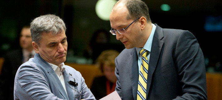 Reuters: Νέο μνημόνιο η λύση για το ελληνικό χρέος