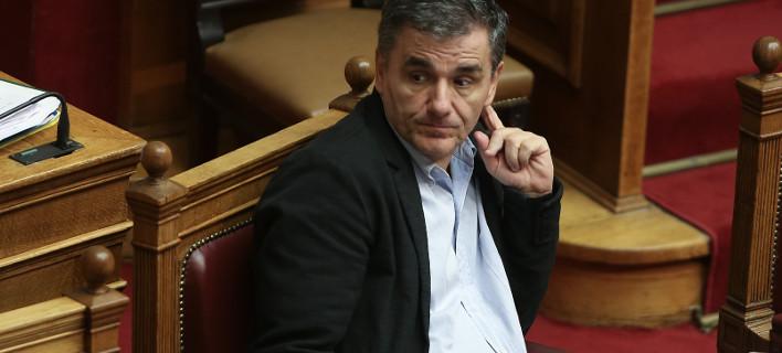 Ο Τσακαλώτος εξηγεί γιατί δίνει έξτρα μισθό 800 ευρώ σε 186 εφοριακούς
