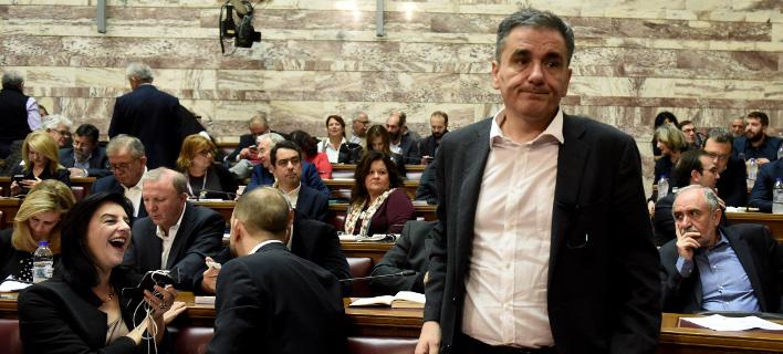 «Μασάζ» από Τσακαλώτο σε βουλευτές για το πολυνομοσχέδιο -Την Τρίτη στη Βουλή