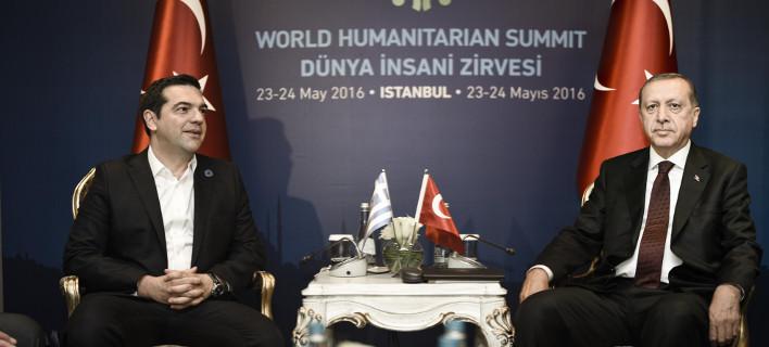Ο Ερντογάν «δένει τα χέρια» του Τσίπρα -Συνεχίζονται οι πιέσεις για την έκδοση των «8»