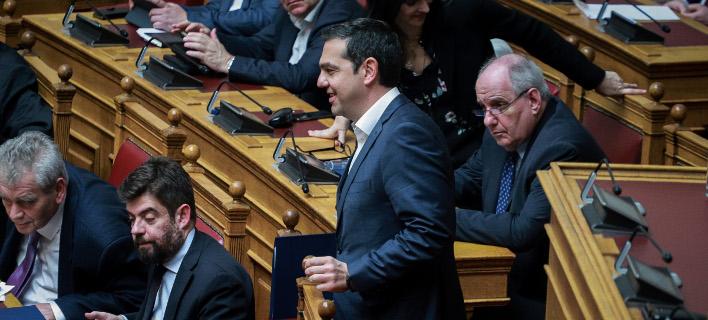 Ο πρωθυπουργός Αλέξης Τσίπρας στη Βουλή για τη Συνταγματική Αναθεώρηση / Φωτογραφία: EUROKINISSI/ΓΙΩΡΓΟΣ ΚΟΝΤΑΡΙΝΗΣ