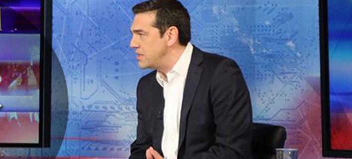 Ο Τσίπρας στρώνει το έδαφος για την επώδυνη συμφωνία