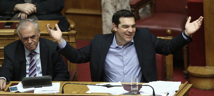 Ψηφίστηκαν με 153 «ναι» το ασφαλιστικό-λαιμητόμος & το φορολογικό Τσίπρα