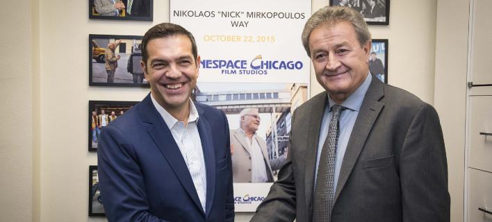 Ο πρωθυπουργός με τον Στέλιο Μιρκόπουλο πρόεδρο των στούντιο Cinespace