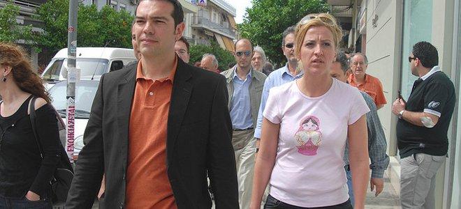 «Το μόνο που δεν έχουν πει για τον Τσίπρα είναι ότι θα πηδήξει τις γυναίκες σας», δηλώνει η Ρένα Δούρου