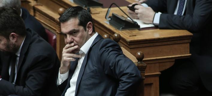 Μαδάει τη μαργαρίτα για τις εκλογές ο Αλέξης Τσίπρας -Φθινόπωρο, επιμένουν τα στελέχη